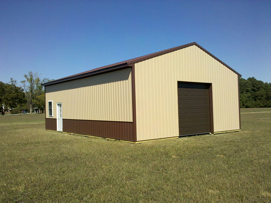 What is pole barn wainscoting diy pole barns for Pole garage pictures