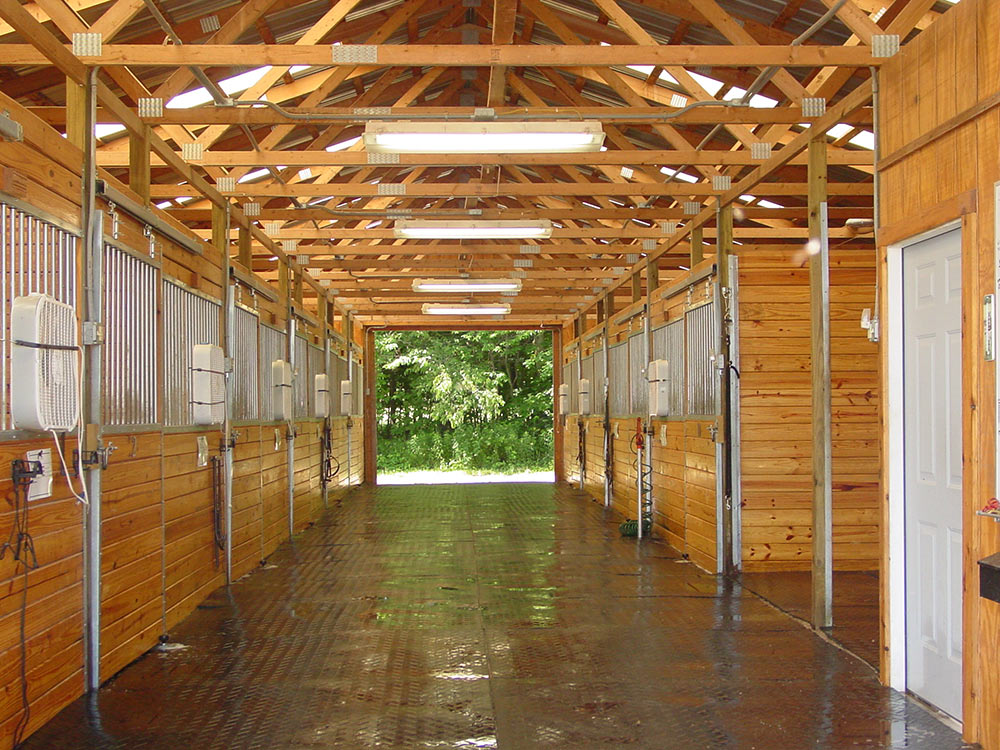 Why Pole Barns Make The Best Horse Barns Diy Pole Barns